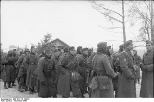 Żołnierze Legionu Ochotników Francuskich do Walki z Bolszewizmem, w środkowej Rosji/ Źródło: http://commons.wikimedia.org/wiki/Category:Legion_of_French_Volunteers_Against_Bolshevism#mediaviewer/File:Bundesarchiv_Bild_101I-141-1291-07,_Russland-Mitte,_Soldaten_der_franz%C3%B6sischen_Legion.jpg