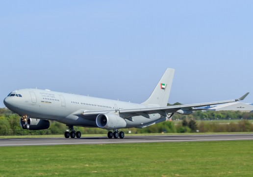 United_Arab_Emirates_Airbus_A330_MRTT_taking_off_at_Manchester_Airport [Rozmiar oryginalny]