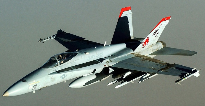 F/A-18C Hornet z Marine Fighter Attack Squadron 232 (VMFA-232) Red Devils. / Wikimedia Commons.