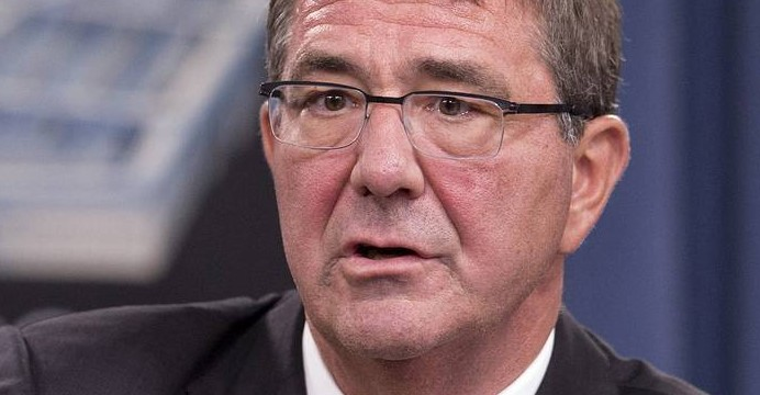 Sekretarz obrony USA Ashton Carter.  (ASSOCIATED PRESS)