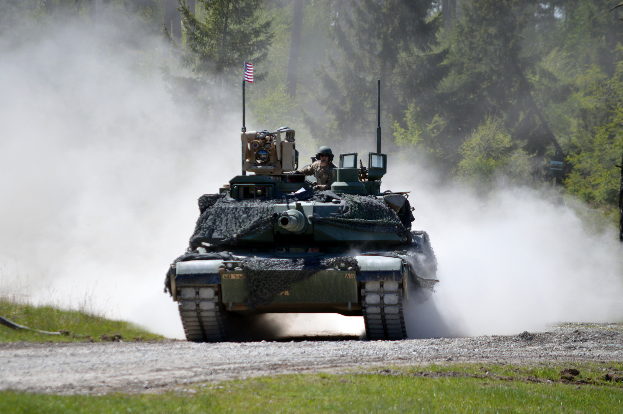 [Obrazek: m1a2-U.S.-Army-photo-by-Sarah-Tate.jpg]